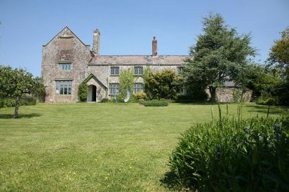 The Ash Barton Country Manor with Games Barn & Pool