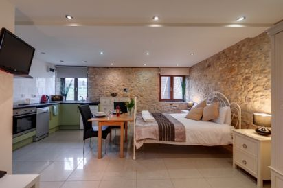Sleeps 2 Romantic Barn Conversion