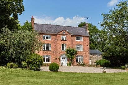 Luxurious Country House near Kington
