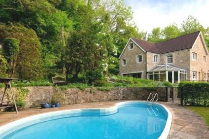 Hidden Valley Country House near Bath with Outdoor Pool