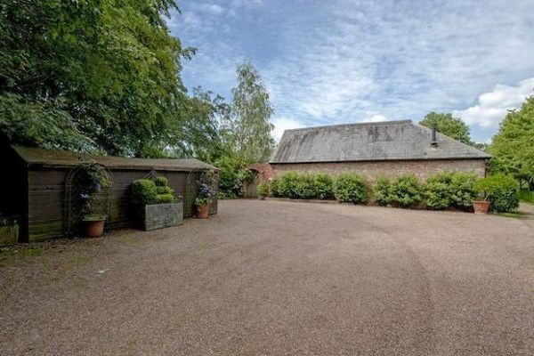 The Quad Large Barn Conversion 16