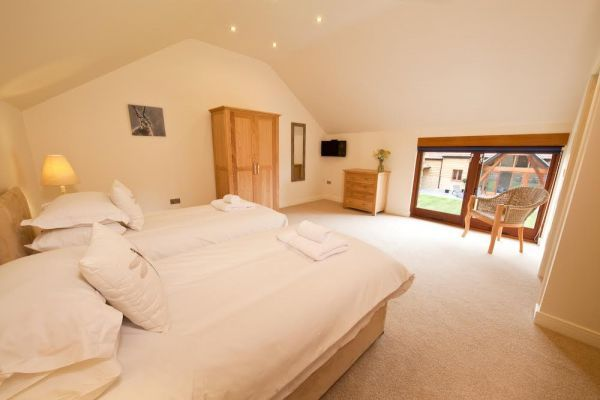 Coat Barn near Yeovil, Somerset Sleeps 18, Private swimming pool at Coat Barn