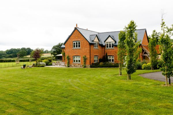 Large Herefordshire Holiday House 7