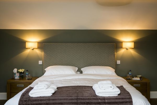 hotel-style bedrooms Herefordshire holiday house