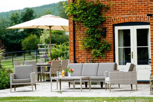 herefordshire luxury self-catering garden seating