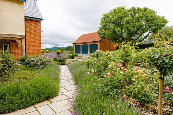 holiday cottage near Hereford garden