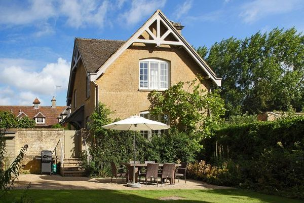 Sleeps 5 Luxury Cotswold Cottage