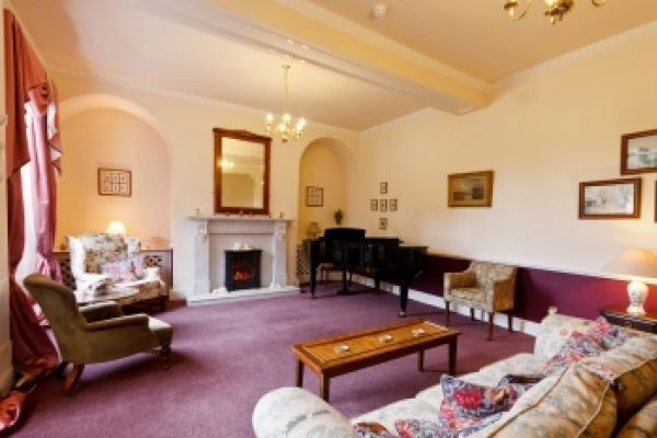 Large mansion house self-catering