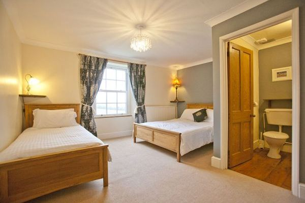 Sleep in Luxury at Northcott Farmhouse Nr Bude Cornwall
