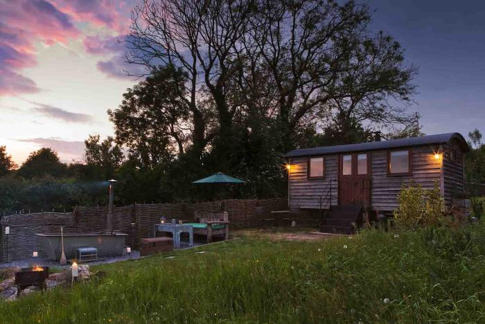 Luxurious shepherds hut with hot tub