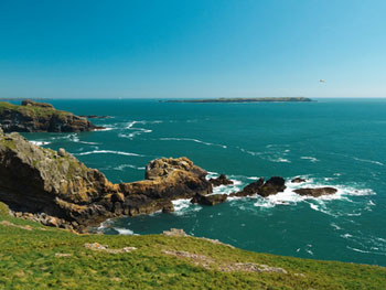 Discover the Pembrokeshire Coast on a Luxury Self-Catering Holiday